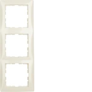Berker 10138982 S.1 Rahmen 3fach.JPG